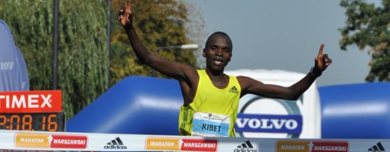 John Kibet - triumfator maratonu warszawskiego (wrzesień 2011);<br /> fot. Bartosz Rymkiewicz