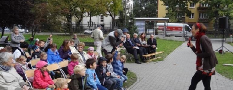 "fot: <a href=""http://www.fundacjakos.pl"" target=""_blank"">Fundacja KOS</a>"
