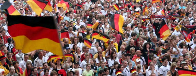 "fot.: <a href=""http://foter.com/search/instant/?q=football%20poland%20germany&page=2"" target=""_blank"">foter.com</a>"