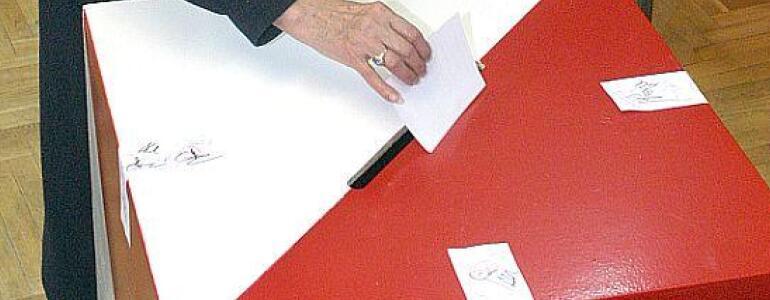 """fot.: <a href=""""http://m.se.pl/wydarzenia/kraj/wybory-samorzadowe-2014-jak-glosowac-prosta-instrukcja-dla-kazdego_447088.html"""" target=""""_blank"""">m.se.pl</a>"""