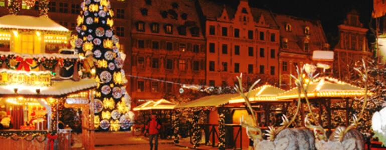 """fot.: <a href=""""http://wroclawski.blog-ogrodniczy.pl/2010/12/22/wroclawski-jarmark-bozonarodzeniowy/"""" target=""""_blank"""">blog-ogrodniczy.pl</a>"""