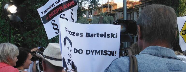 Mieszkańcy domagają się dymisji prezesa Bartelskiego