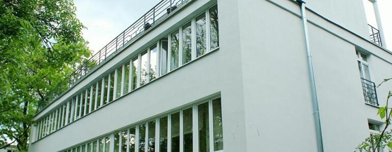 """Dom Krzymuskich przy ulicy Walecznych 12 (<a href=""""http://www.mwkz.pl/archiwum-aktualnosci-przeglad"""" target=""""_blank"""">źródło</a>)"""