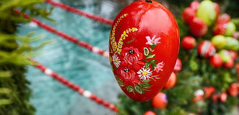 Wielkanocny stół z dostawą do domu